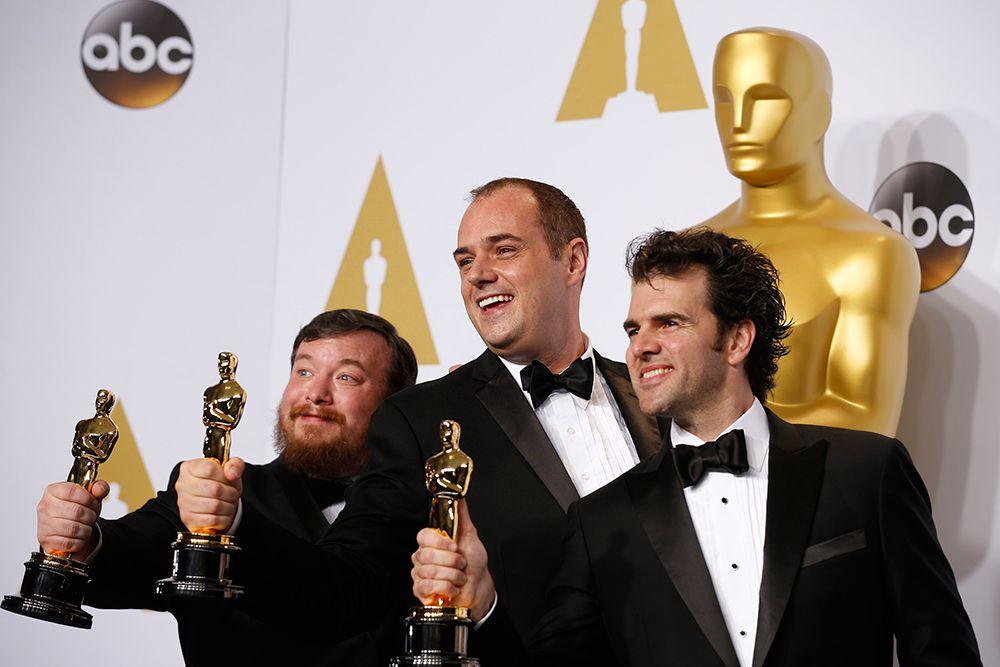 Томас Керли, Бен Уилкинс и Крейг Манн получили статуэтку в номинации «Лучшие спецэффекты» («Интерстеллар»).