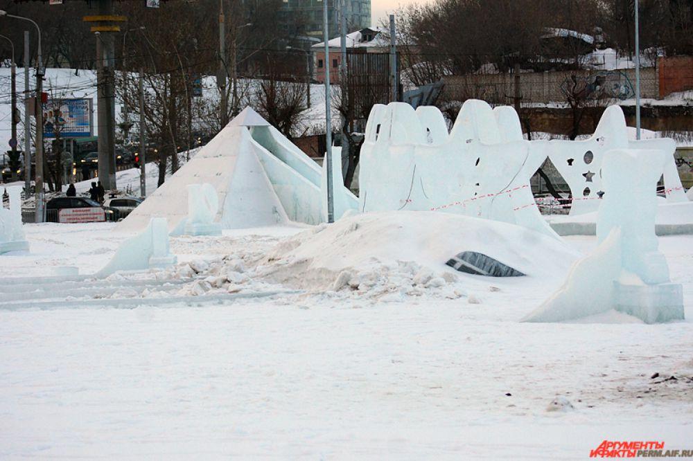 23 февраля посетители еще могли успеть посетить ледовый каток и площадку для квадроциклов.