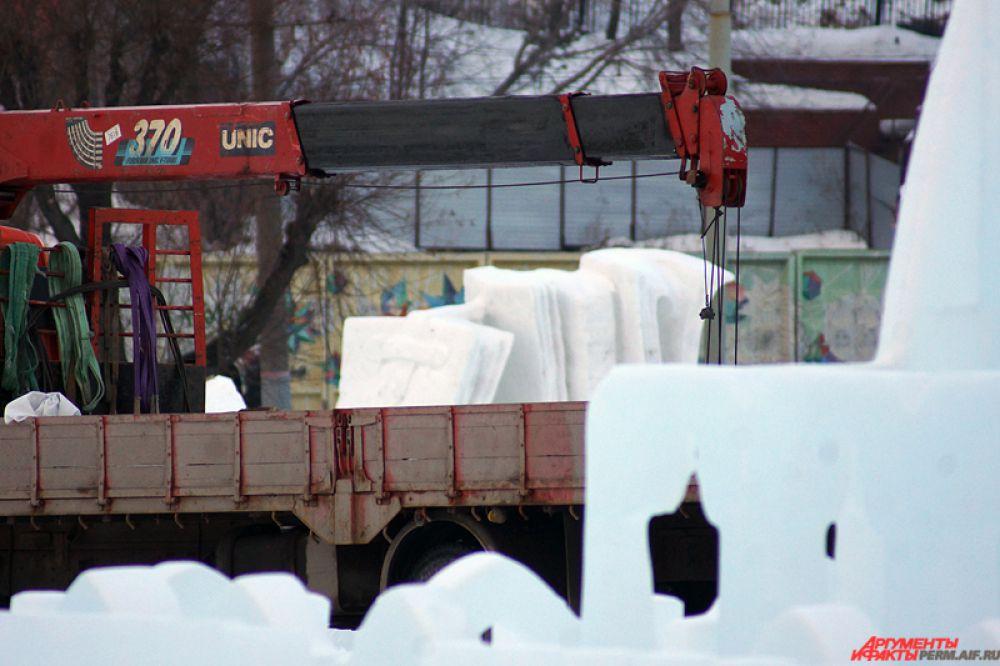 Стоит отметить, что ледяные и снежные скульптуры кубка «Зимний вернисаж» будут уничтожены в ближайшие дни.