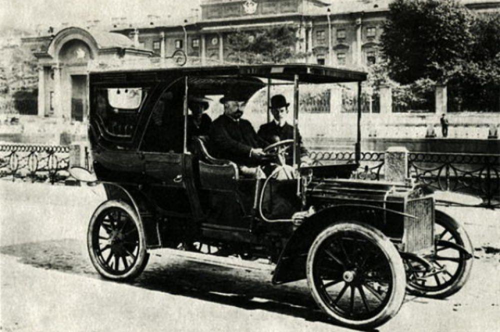"""Автомобиль торгового Дома """"Победа"""". 1912 год."""
