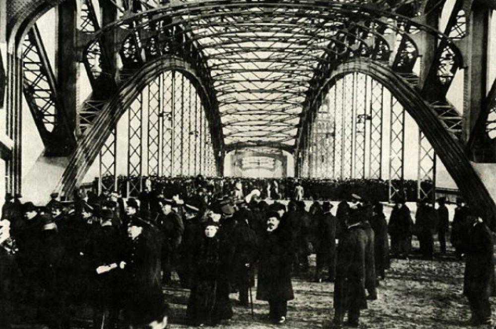 Открытие Охтинского моста в 1911 году.