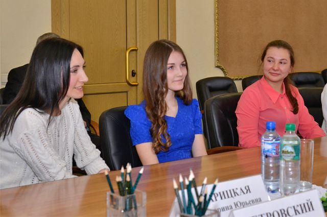 Дарья Зарицкая с мамой на приёме у губернатора Брянской области.