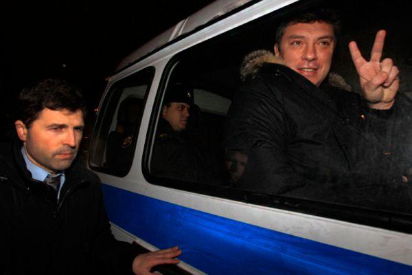 С апреля по ноябрь 1997 года Немцов, оставаясь вице-премьером, занимал должность министра топлива и энергетики Российской Федерации. В тот же период он возглавлял коллегию представителей государства в правлении РАО «Газпром», а в июле 1997 года был утвержден председателем правительственной комиссии по реформированию жилищно-коммунального хозяйства.