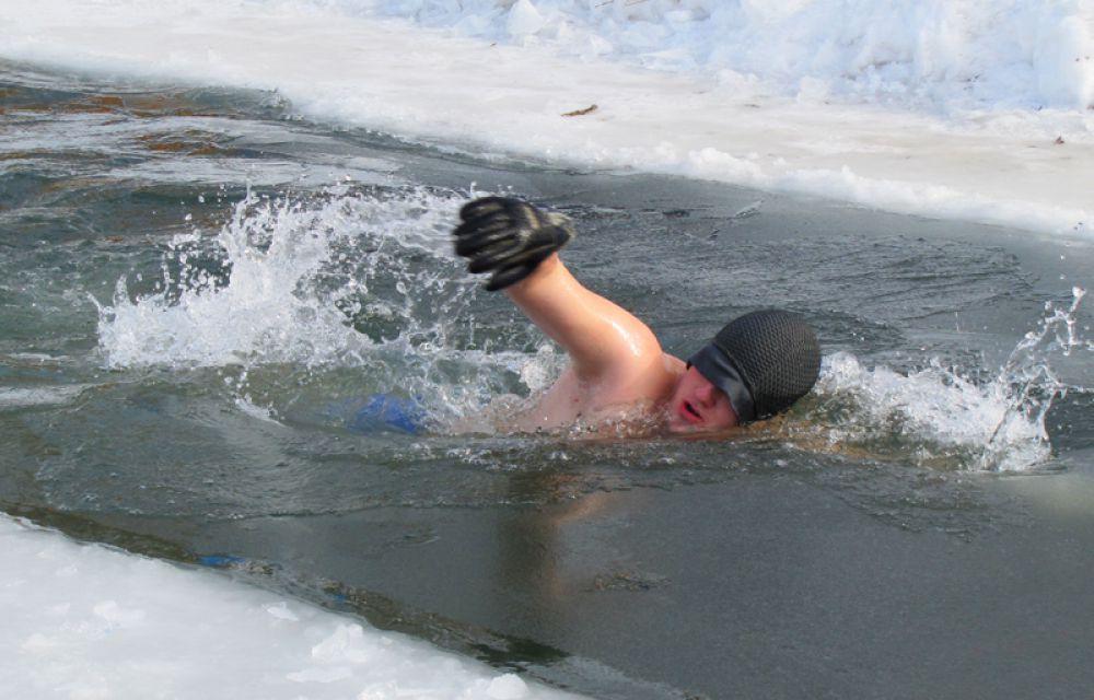 Каждый участник должен был проплыть не меньше 25 метров