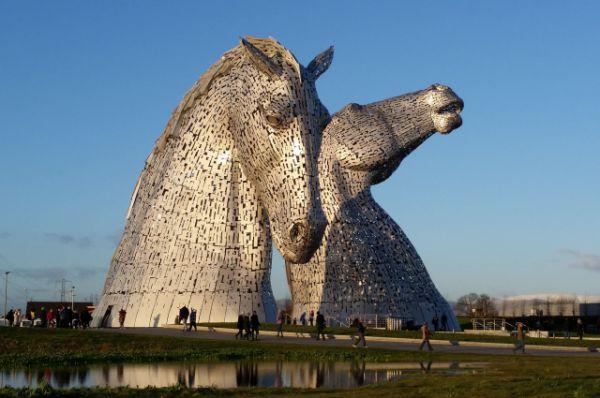Скульптура «Келпи» и парк «Хеликс», Фолкерк, Шотландия.