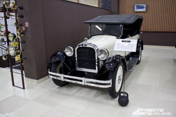 Dodge Brothers 1928 г.в. Выпускался в США, 1928 - 1929 гг. Масса 900 кг. Максимальная скорость 90 км/ч. Мощность 24 л.с.