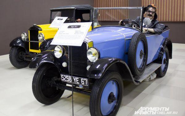 Peugeout 172R 1926 г.в. Выпускался во Франции, 1924 - 1926 гг. Масса 700 кг. Максимальная скорость 59 км/ч. Мощность 11 л.с.