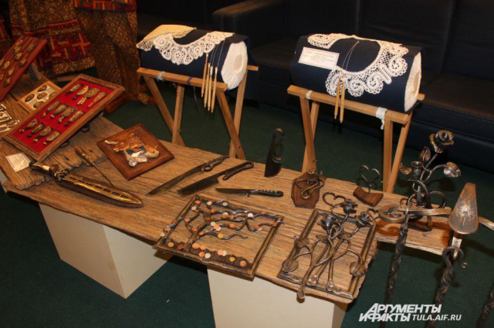 Тульские мастера и с нитками знакомы и с металлом обращаться умеют