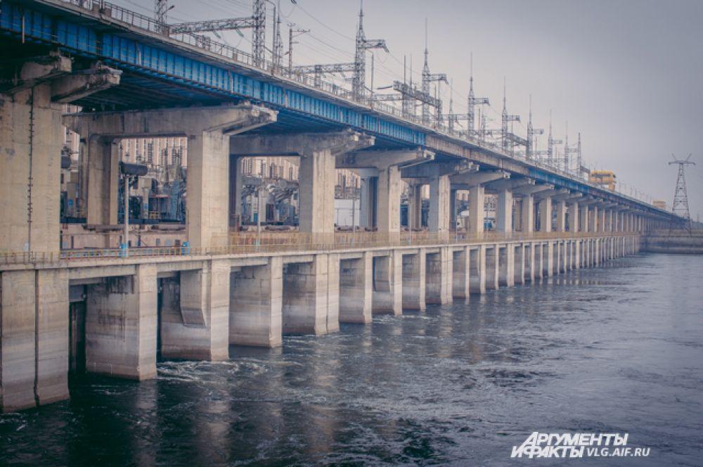 Волжская ГЭС — это крупнейшая гидроэлектростанция Европы.