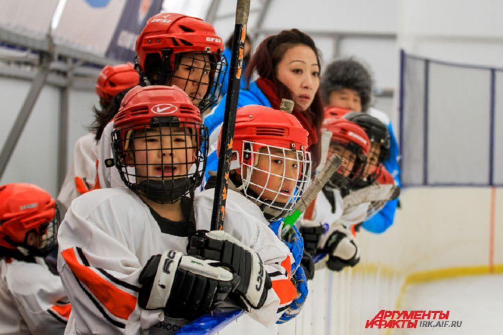 В регионе гораздо популярнее хоккей с мячом, так что классический хоккей с шайбой только развивается.