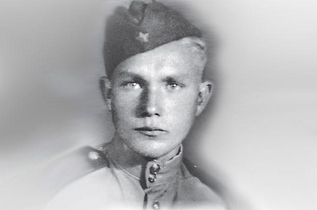 Таким Станислав Лапин встретил День Победы.