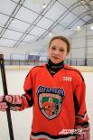 Соня Лифатова - единственная девочка в ангарской команде и бомбардир.