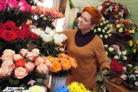Каждое утро Елену Бердюгину встречает целое море цветов.