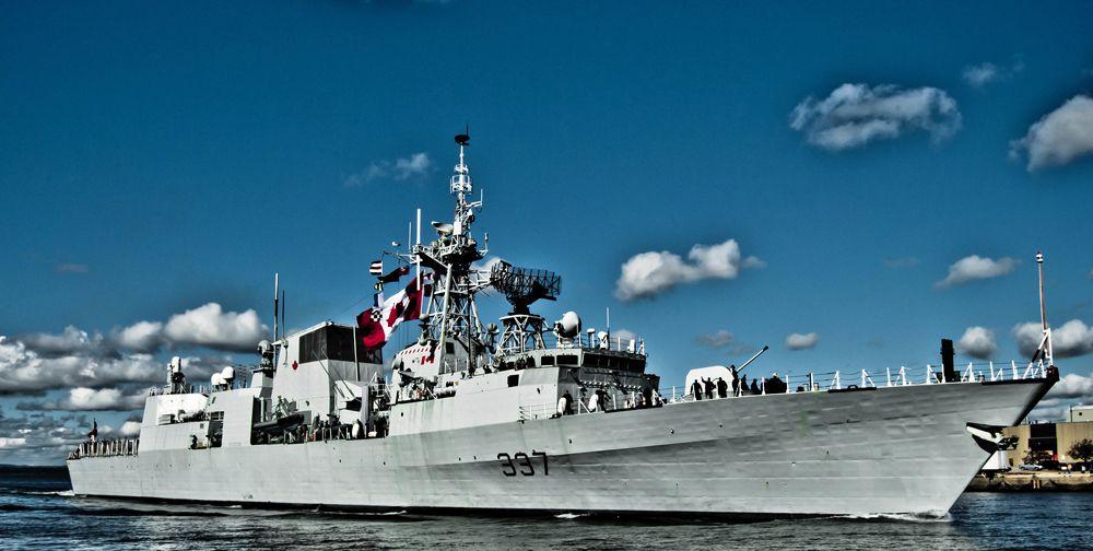 Канадский фрегат Fredericton. Фрегат «Фредериктон» относится к классу Галифакс. Корабль был спущен на воду 26 июня 1993 года. Миссией фрегата является защита суверенитета Канада в Атлантическом океане. «Фредериктон» также участвовал в нескольких миссиях НАТО.
