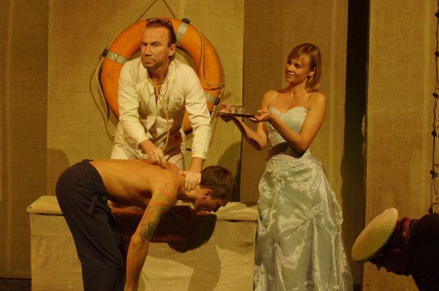 «Женщина должна выходить на сцену, чтобы нравиться», - считает Сергей Наседкин.