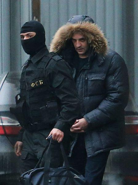 Советник губернатора Сахалинской области Андрей Икрамов после допроса в СК РФ в Москве.