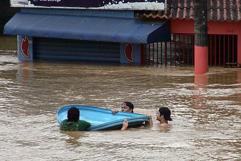 4 марта. Наводнение оставило без крова 2000 жителей Боливии и Бразилии.