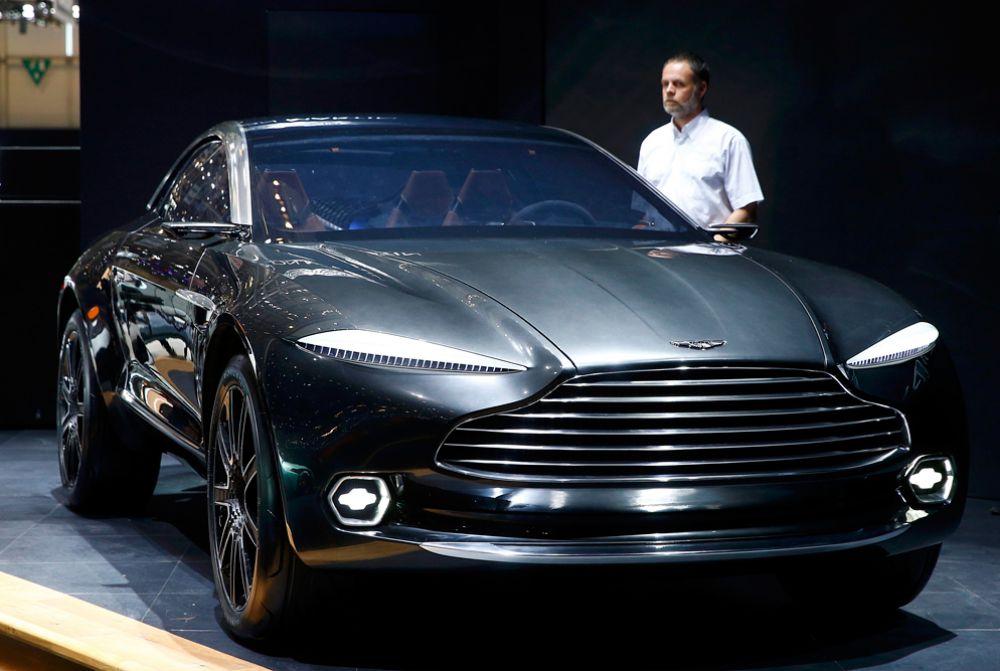 3 марта. Aston Martin DBX concept car на автосалоне в Женеве.
