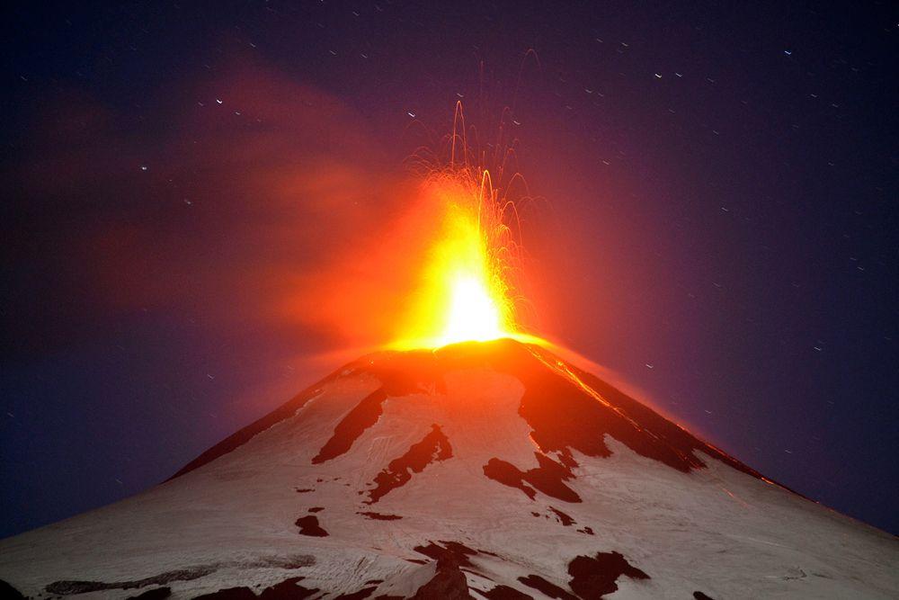 3 марта. Извержение вулкана Вильяррика в Чили.
