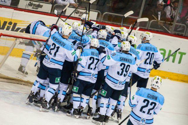 Хоккейная «Сибирь» вышла во второй раунд плей-офф