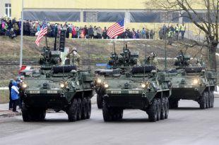 Американские солдаты на военном параде по случаю Дня независимости Эстонии.