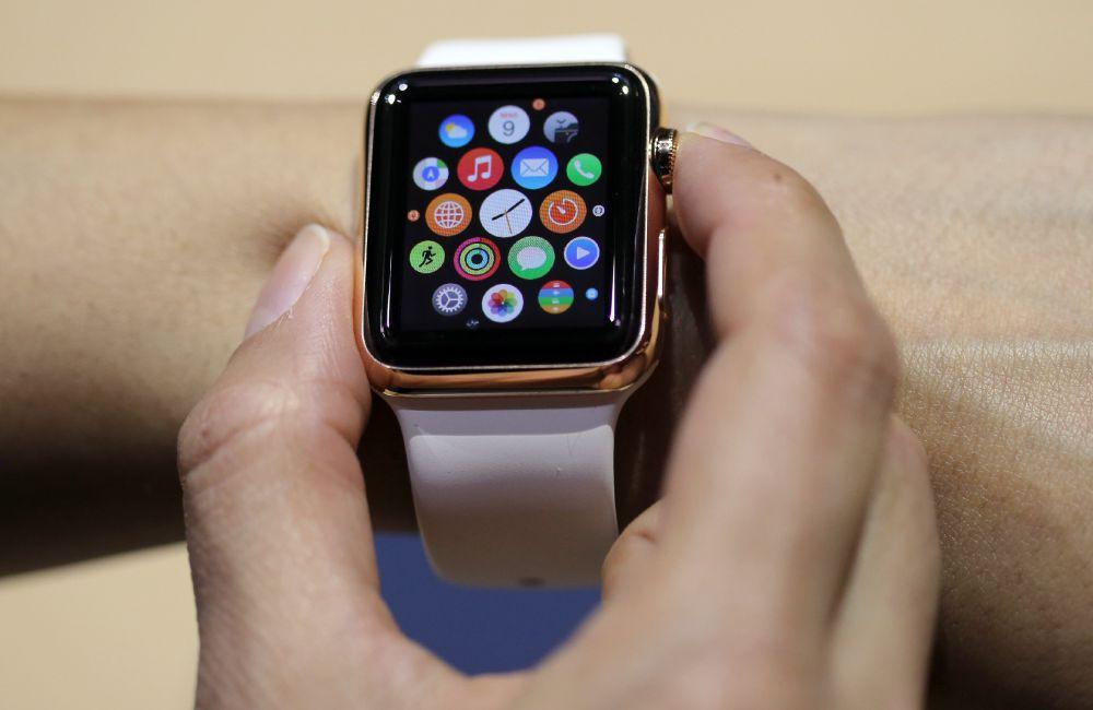 Новые часы и ноутбук – фото весенних новинок от компании Apple