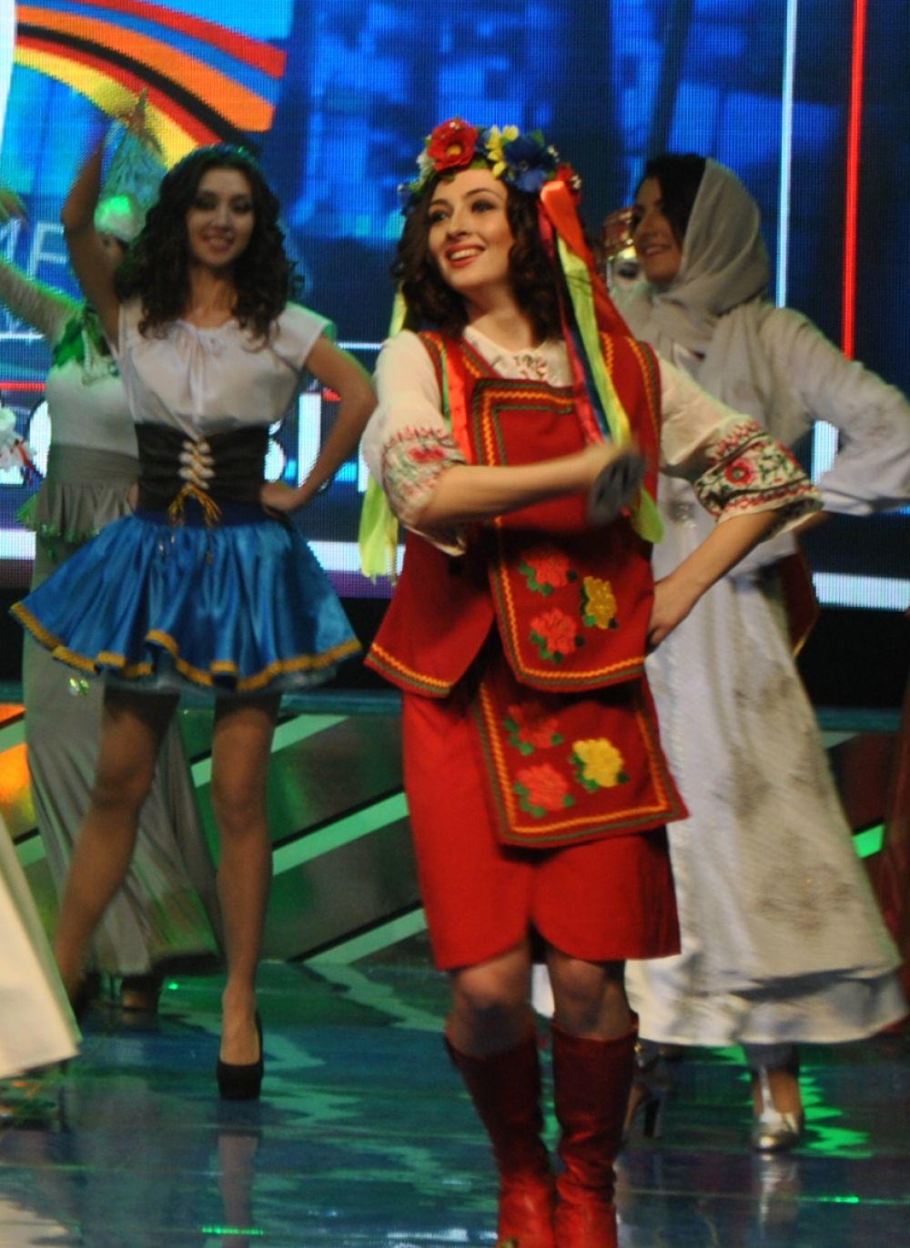 Анна Севастьянова. Общий танец.