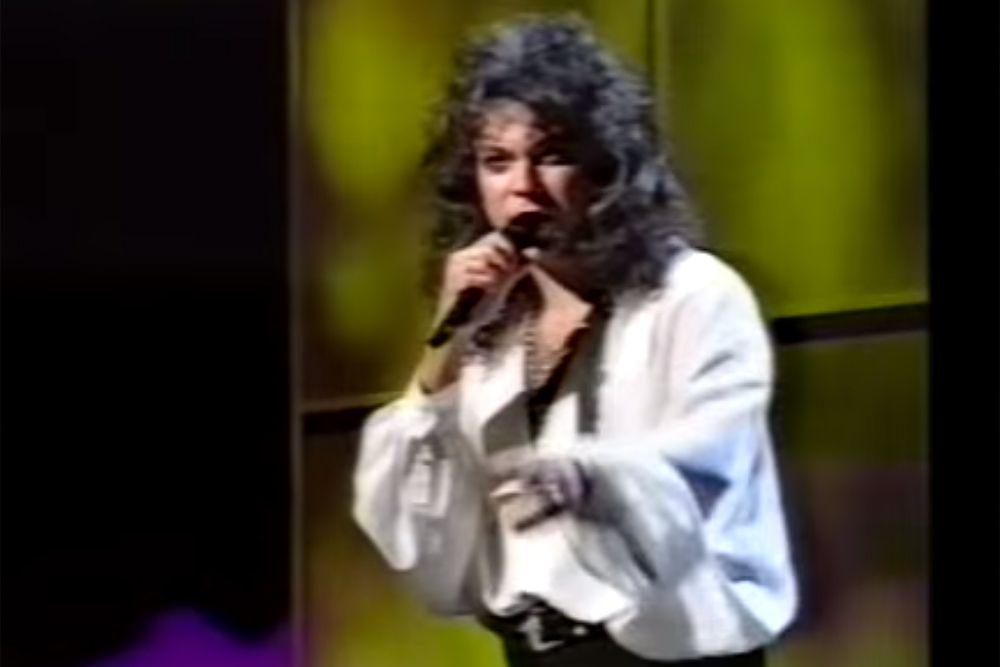 В следующем, 1995 году, на «Евровидении», которое снова проходило в Дублине, Россию представлял популярный эстрадный певец Филипп Киркоров. С песней «Колыбельная для вулкана» он занял 17 место.