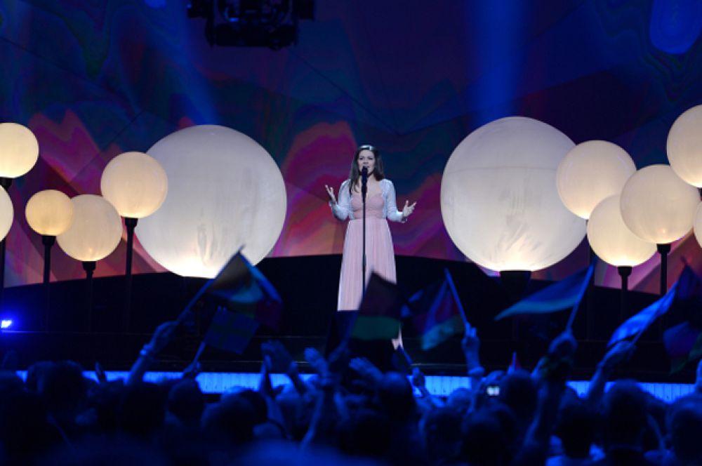 В 2013 году Россию представляла певица Дина Гарипова – победительница телешоу «Голос» на «Первом канале». Она заняла пятое место