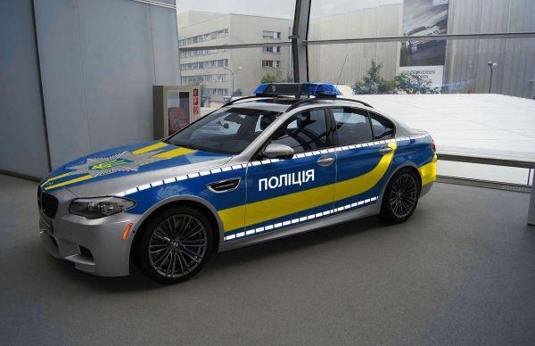 Украинцы предлагают свои варианты окраса патрульных авто