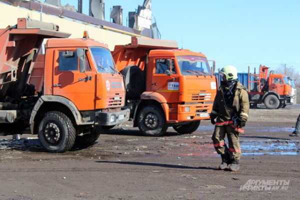 На разборе завалов работают 305 человек от МЧС России, 70 единиц техники.