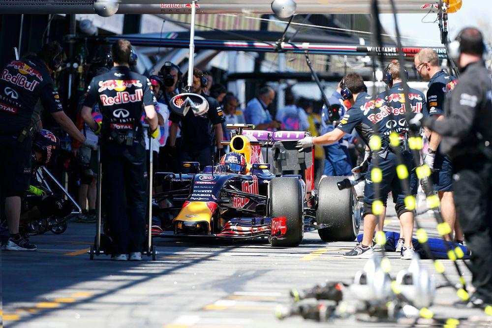 13 марта. Даниил Квят во время тренировочных заездов перед Гран-при Австралии по Формуле-1.
