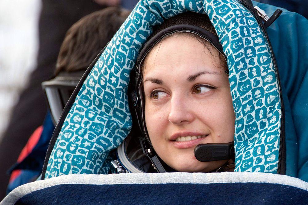 12 марта. Член экипажа Международной космической станции Елена Серова после возвращения на Землю.