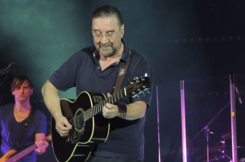 Юрий Шевчук с успехом представил Казани свой новый альбом «Прозрачный» 13 марта в КРК «Пирамида».