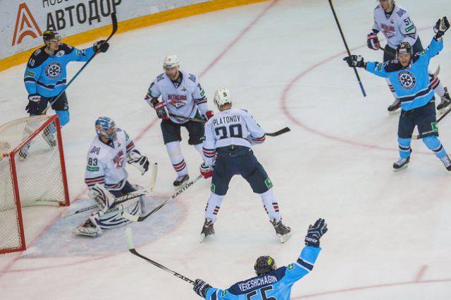 Хоккейная «Сибирь» выиграла первый матч второго этапа плей-офф