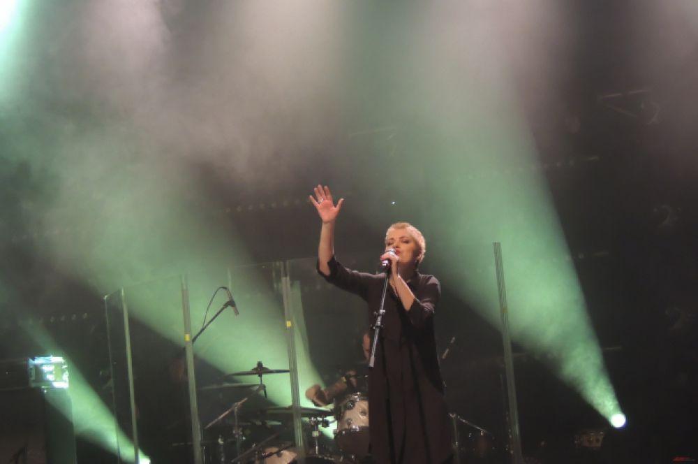 Все поклонники группы ДДТ остались довольны концертом и долго не хотели отпускать музыкантов.