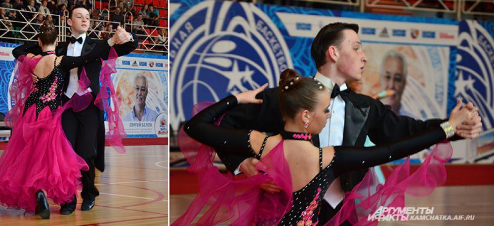 Анастасия Шевченко и Игорь Кудрявцев из Елизово - будущие бронзовые призеры в открытом классе.