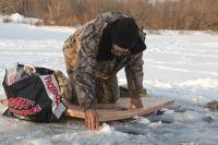 Рыбаки посоревновались в зимней ловле.