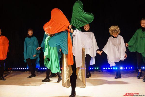 День святого Патрика  - культурный и религиозный праздник, отмечается ежегодно 17 марта, в день смерти небесного покровителя Ирландии святого Патрика. К слову, этот праздник перерос национальные границы и стал международным днем Ирландии.