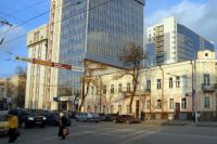 Двухэтажное здание больницы №8 в центре Ростова.