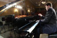 Денис Мацуев за новым роялем.