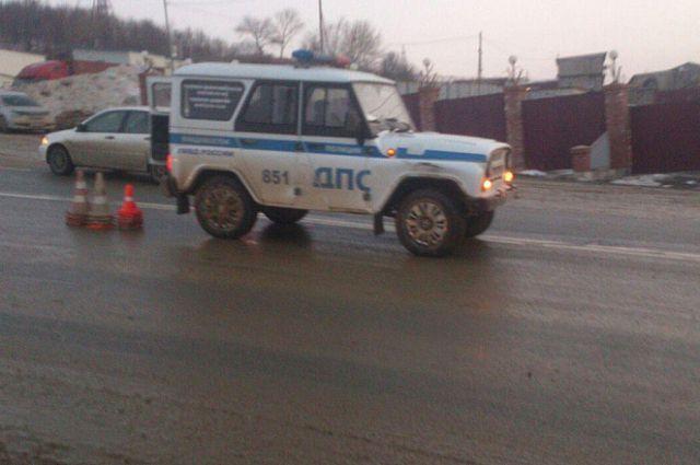 Полицейский автомобиль, попавший в ДТП.