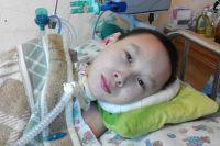 Внезапная болезнь буквально сбила с ног - и Владика, и его родителей.