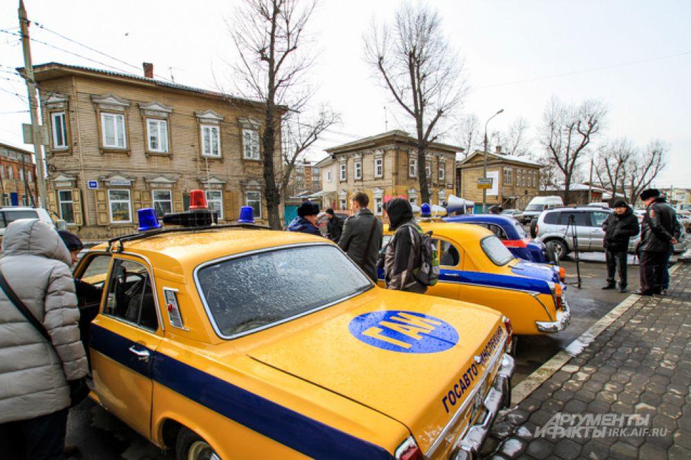 Такие автомобили могли бы стать очень приметны в современном городе.
