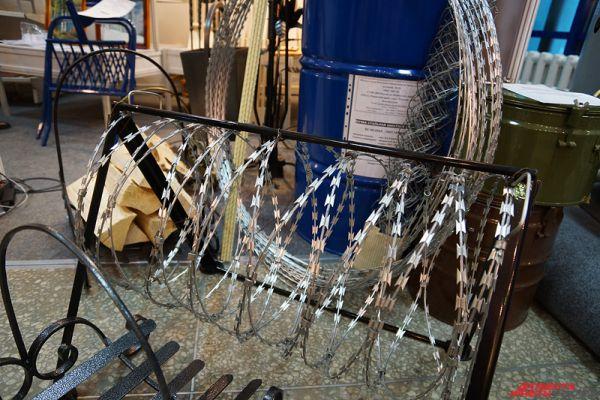 Заключенные производят и металлическую проволоку.