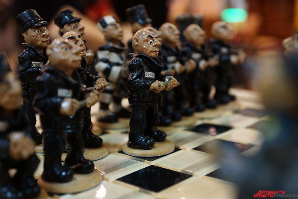 Шахматная доска - от 2 тысяч рублей.