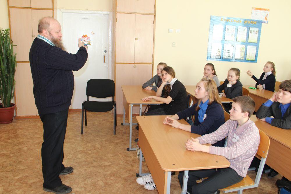 Игорь Сабанов удивил детей тем, что войну выиграл не Сталин, а Божья Матерь и простой народ.