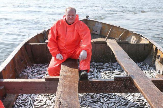 Николай Цуканов вместе с рыбаками побывал на промысле.
