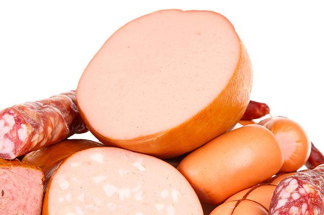 Мясные продукты в магазине хранились без необходимых сопроводительных документов.
