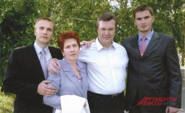 Юный Виктор еще в Донецке